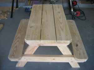 04 Kids Picnic Table