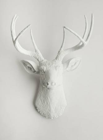06-White Resin Deer