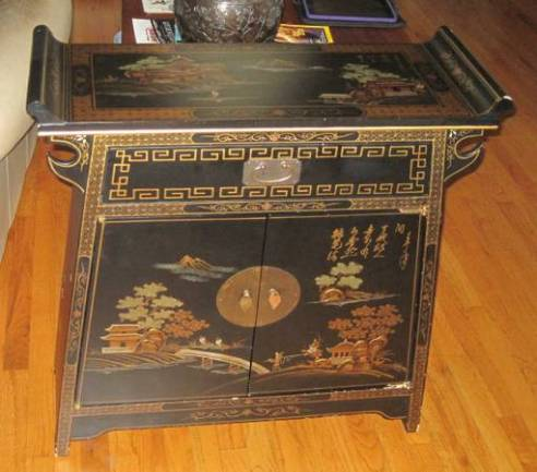 17-Black & Gold Cabinet