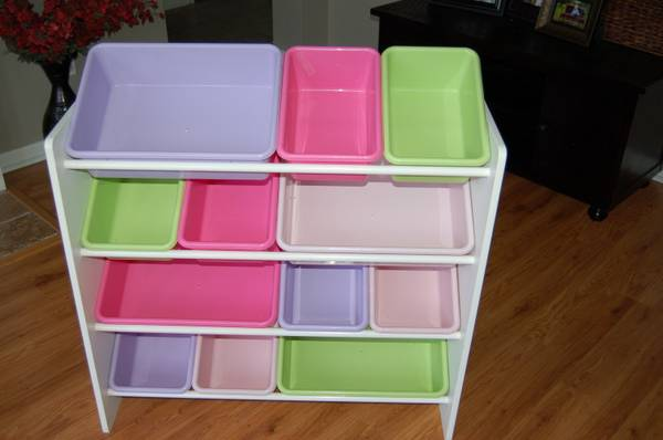 25 Plastic Storage Bins