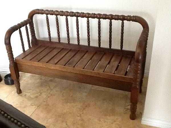 01 Repurposed Bed to Bench