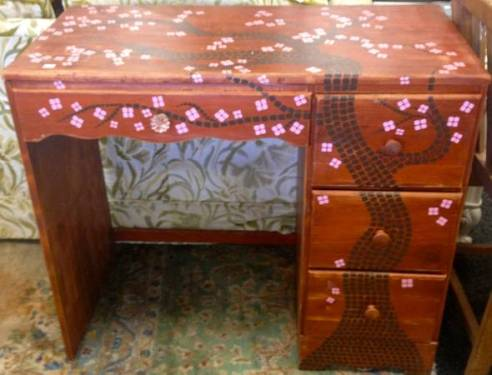 05 Handpainted Child's Desk