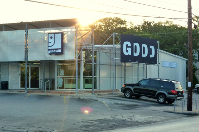 Goodwill Lake Austin Blvd