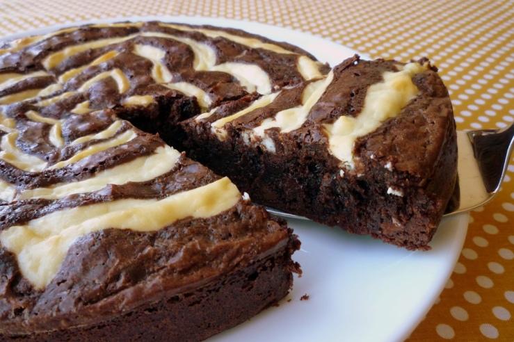 Cream Cheese Spiderweb Brownies 3